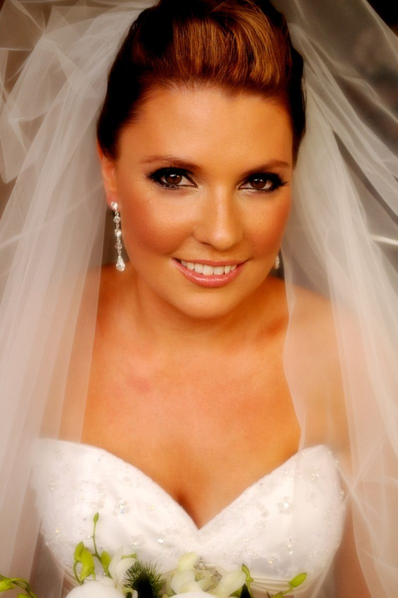 How To Become Bridal Makeup Artist : wedding Hair and Makeup Artist Bridal Makeup Artists ...